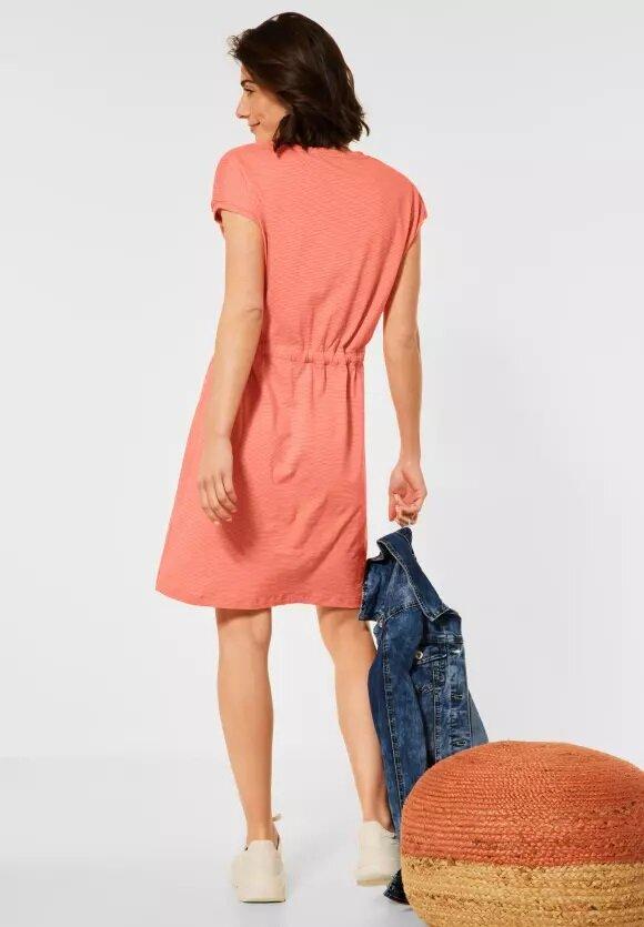 Klänning med smockaxel - Coral