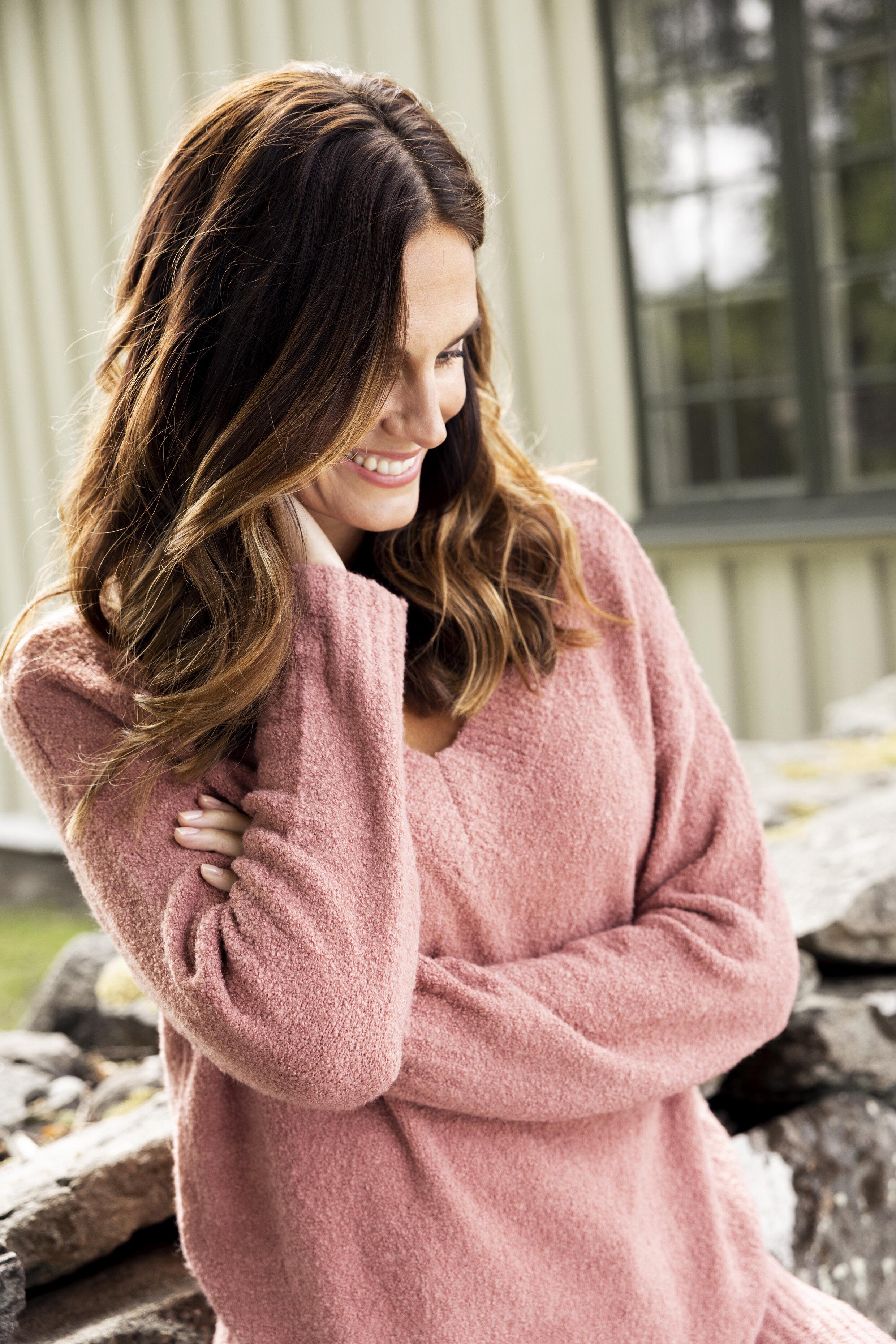Annie V-Neck Sweater - Marsala